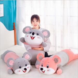 Gấu ôm chuột